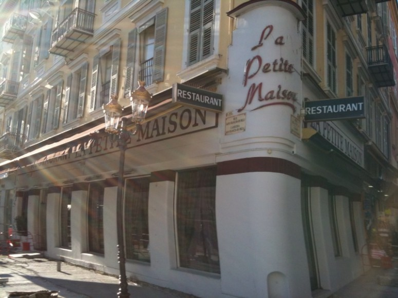 restaurant la petite maison nice beautiful restaurant la petite maison nice with restaurant la. Black Bedroom Furniture Sets. Home Design Ideas